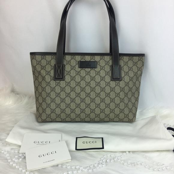 51da570c73f Authentic Gucci GG Supreme Zipper Tote Medium